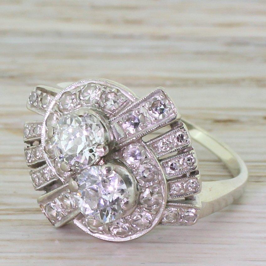 retro 163 carat old cut diamond twist ring circa 1945