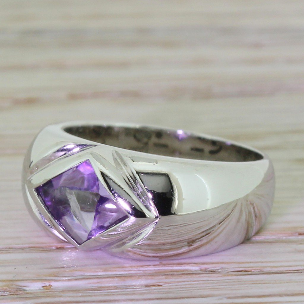 montblanc cabochon amethyst ring 18k white gold