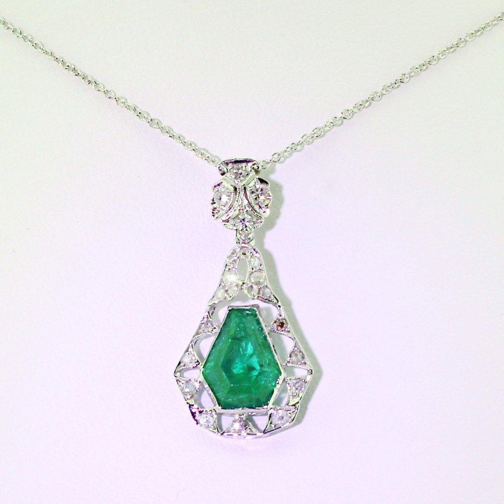 edwardian colombian emerald 038 diamond pendant circa 1910