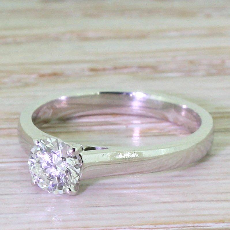050 carat round brilliant cut diamond engagement ring platinum