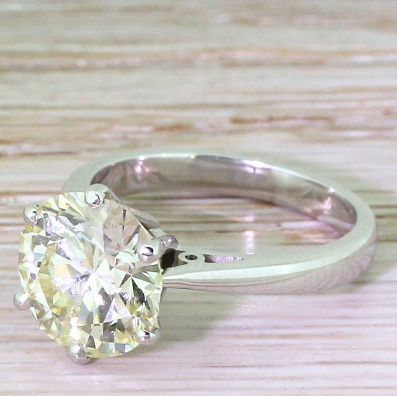 365 carat round brilliant diamond engagement ring platinum