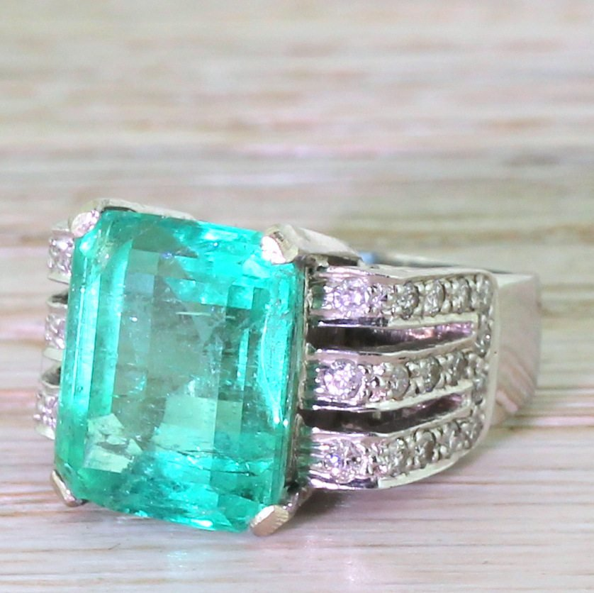 mid century 782 carat minor oil colombian emerald ring circa 1960