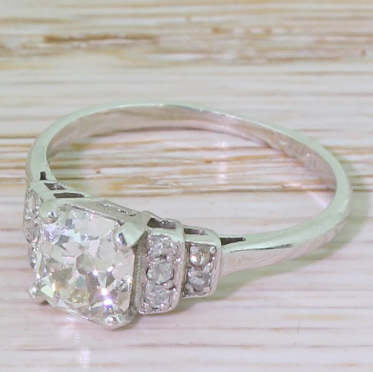 art deco 115 carat old cushion cut diamond engagement ring circa 1915