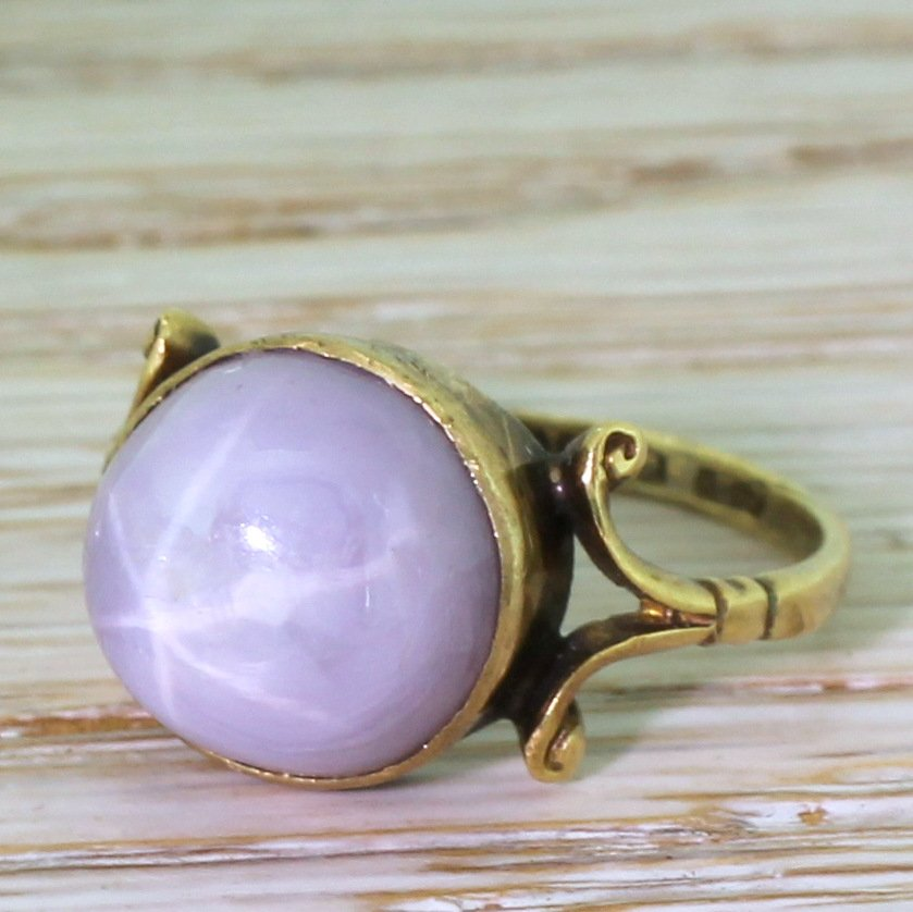 edwardian 1136 carat lilac star sapphire solitaire ring dated 1913