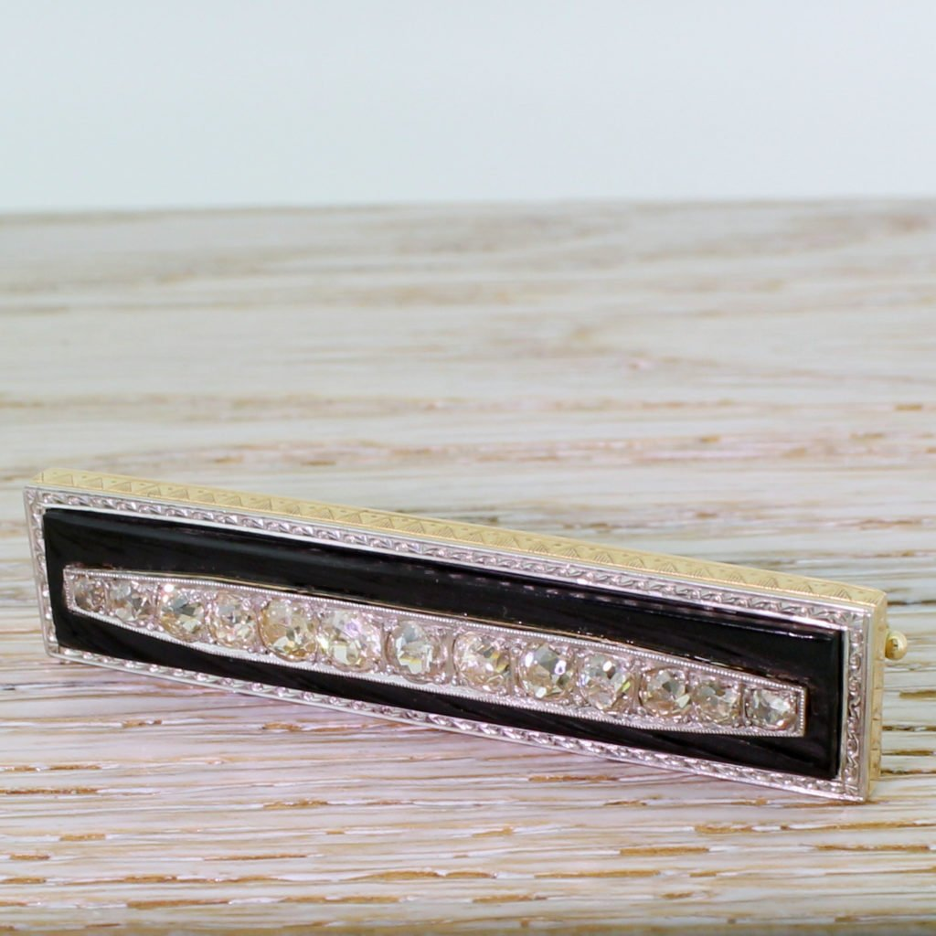 art deco 237 carat old cut diamond 038 onyx brooch circa 1940