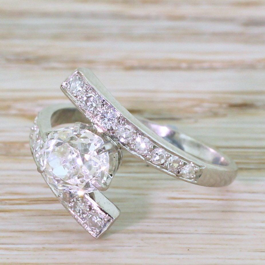 art deco 136 carat old mine cut diamond engagement ring circa 1920