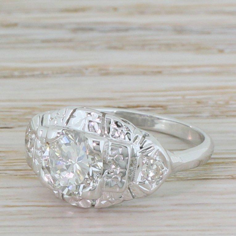 retro 128 carat round brilliant cut diamond ring circa 1940