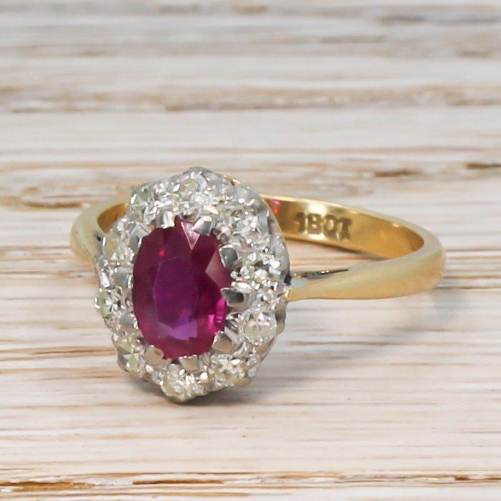 mid century 085 carat ruby 038 diamond cluster ring circa 1950
