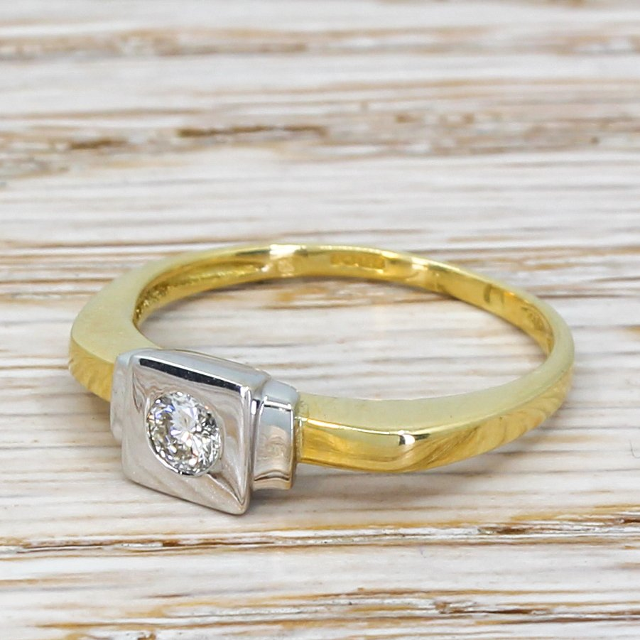 modern 015 carat round brilliant cut diamond solitaire 18k gold