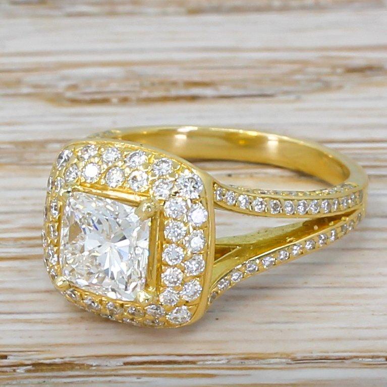120 carat cushion cut diamond single stone ring 18k gold