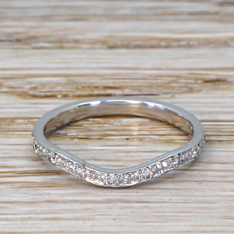 curved diamond set wedding band 18k white gold