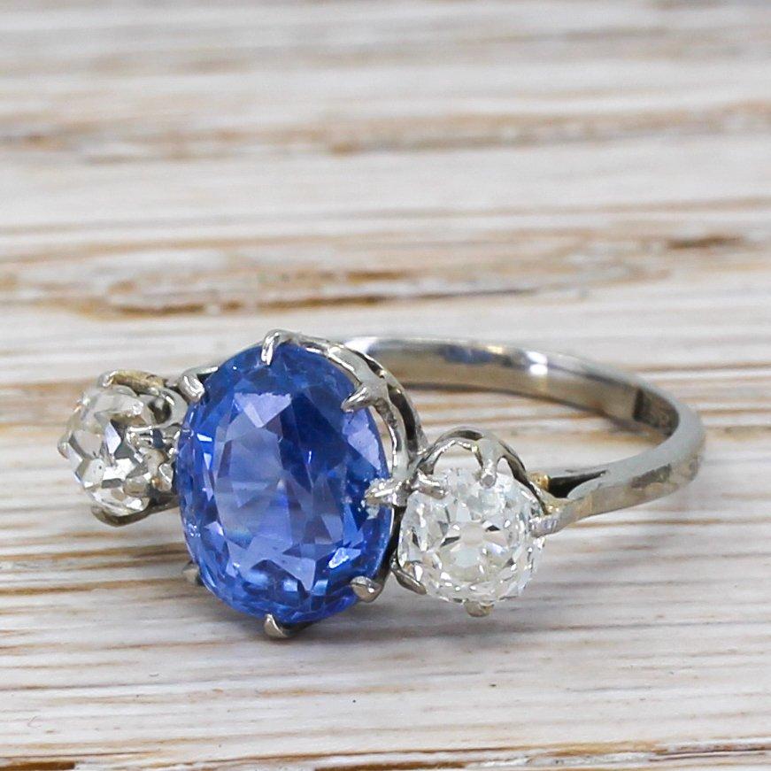 art deco 255 carat sapphire 038 075 carat old cut diamond ring circa 1940