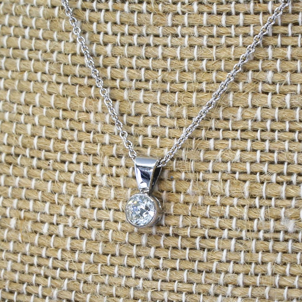 025 carat old cut diamond pendant platinum