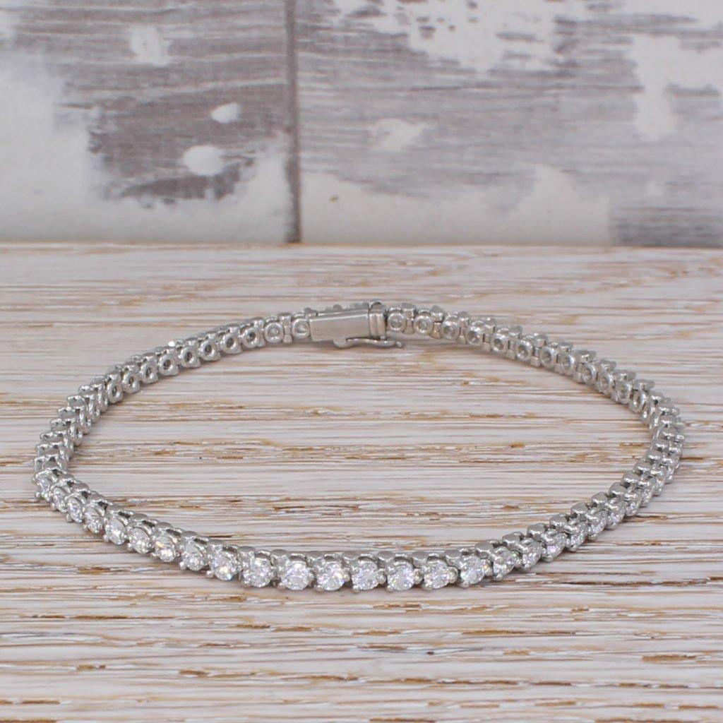 cartier essential lines diamond bracelet platinum