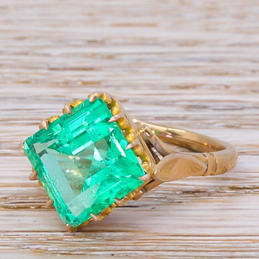 victorian 568 carat insignificant oil colombian emerald solitaire ring circa 1900