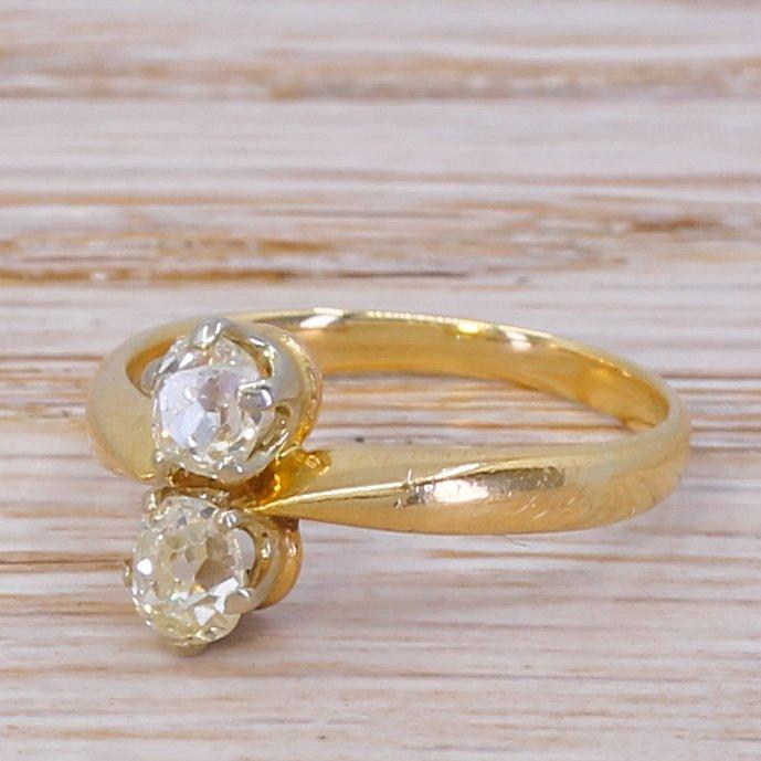 edwardian 045 carat old cut diamond toi et moi ring circa 1910